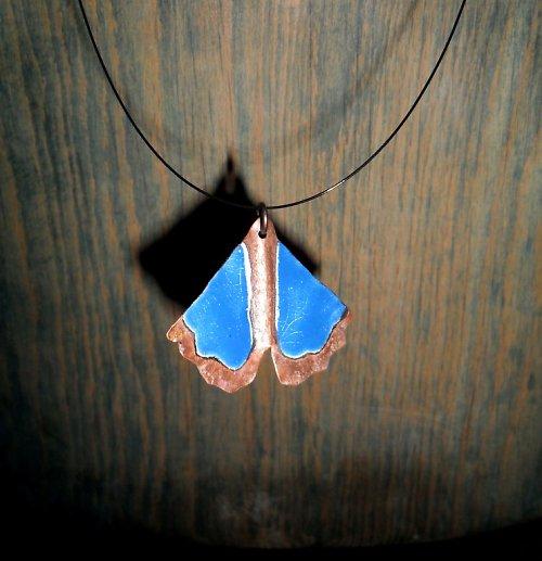 Noční motýl Azzur