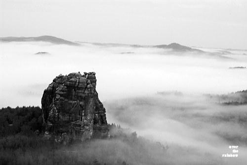 Mlhavé ráno - diptych, černobílá