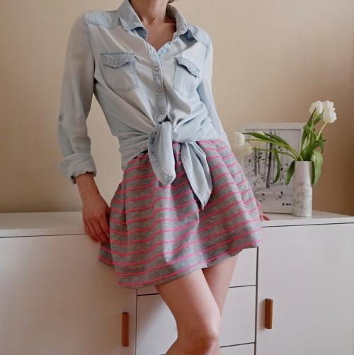 Úpletová výrazná letní sukně