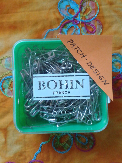 Prohnuté velké špendlíky Bohin, 144 ks,