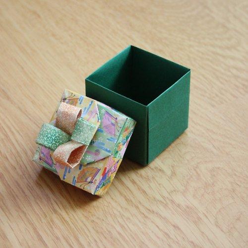 krabička s mašlí