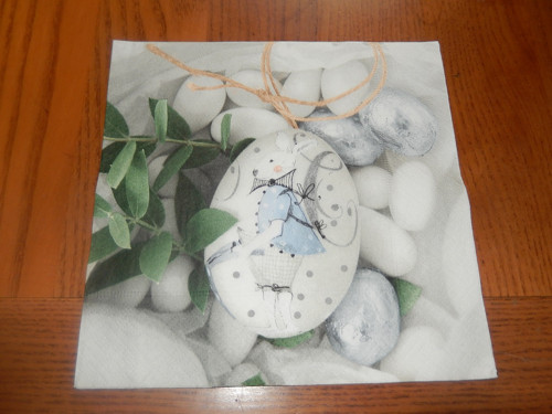 Ubrousek na decoupage - zajíček na velik.vajíčku