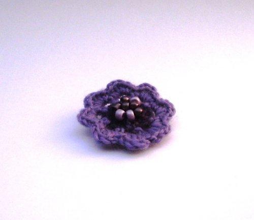 háčkovaná brož, malá, fialová