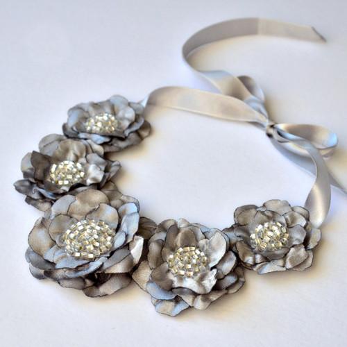 Náhrdelník - Luxusní šedostříbrný