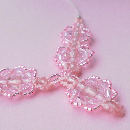 Macramé náhrdelník Eliška růžový
