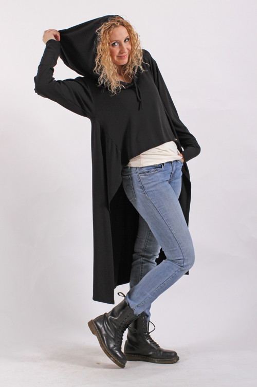 Černé volné pončotriko s kapucí