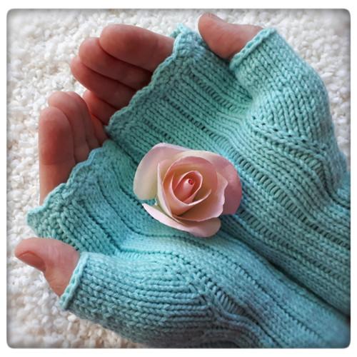 Simply Mint ... návleky 18 cm (štíhlé ruce)
