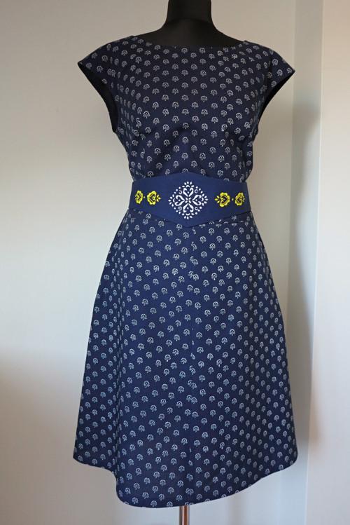 šaty modrotiskové jednoduché, vel 42