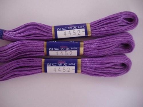 Vyšívací příze mouline - středně fialová
