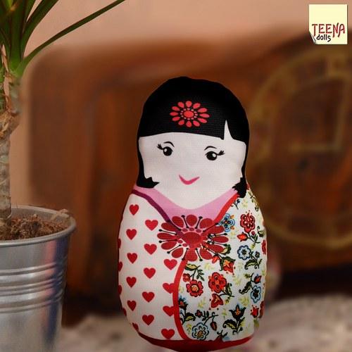 malá panenka kokeshi Hotaru