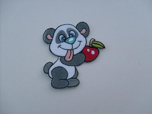 Panda s jablíčken