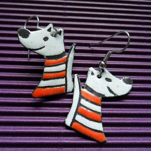 Psi v oranžovém triku