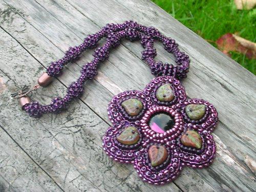 Purpurový medailon