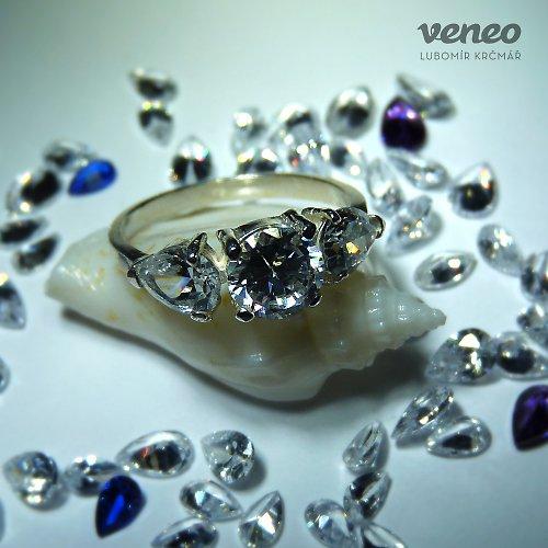 Audrey - prsten s čirými zirkony