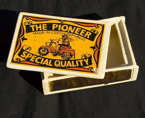 Krabička The Pioneer