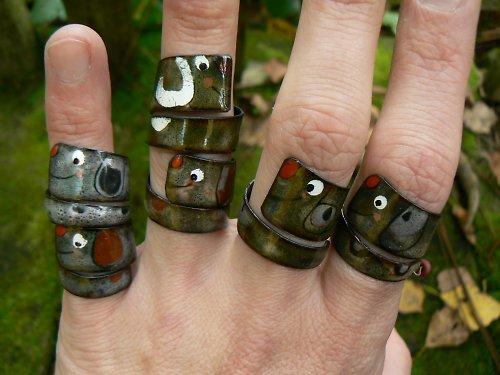 prsteny pejsci..