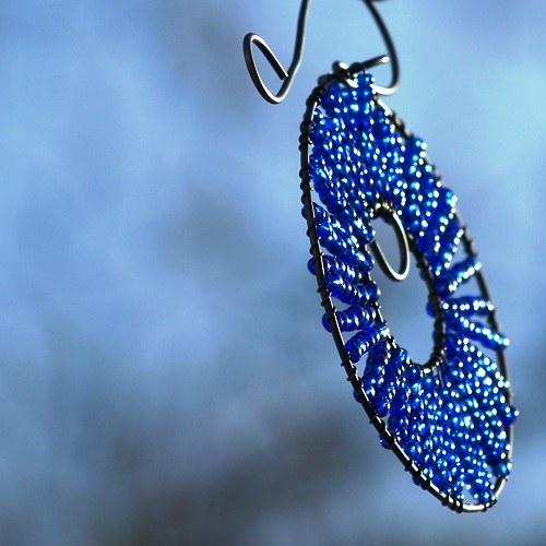 Kolečko k zavěšení tmavě modé - 10 cm