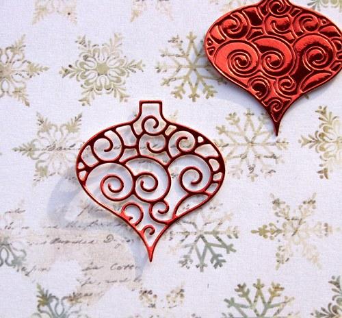 Vánoční baňka filigránová (menší)