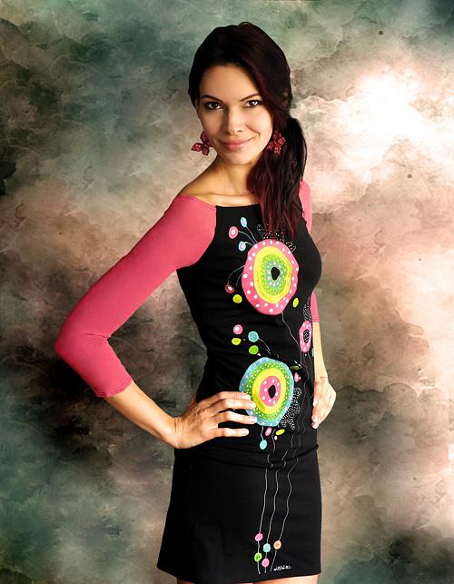 Puntíkaté rúúžovučké šaty :)