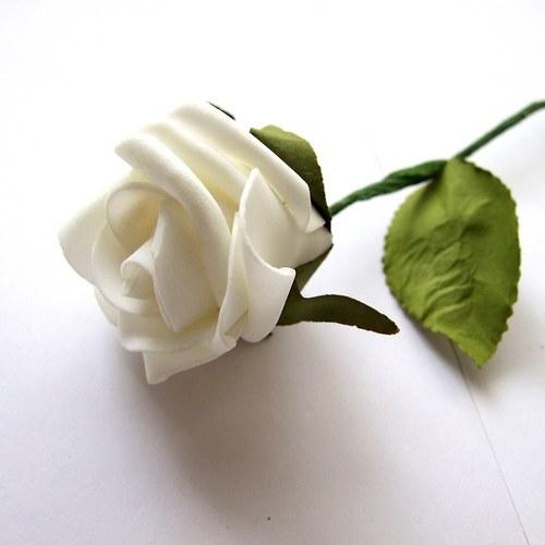 Pěnová růže velká - cena za 1 ks - bílá