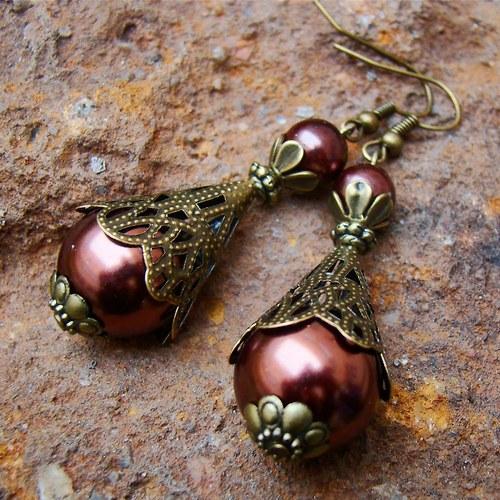 náušnice   Perličky v bronzových krajkách.