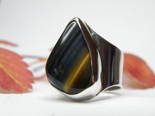 Stříbrný prsten s tygřím/sokolím okem