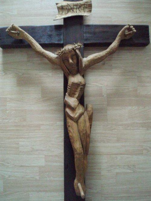 Velký dřevěný kříž