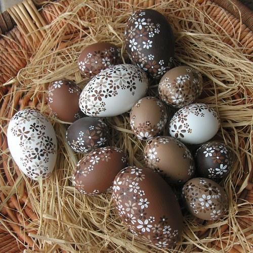 Hnědo-béžové velikonoční kraslice