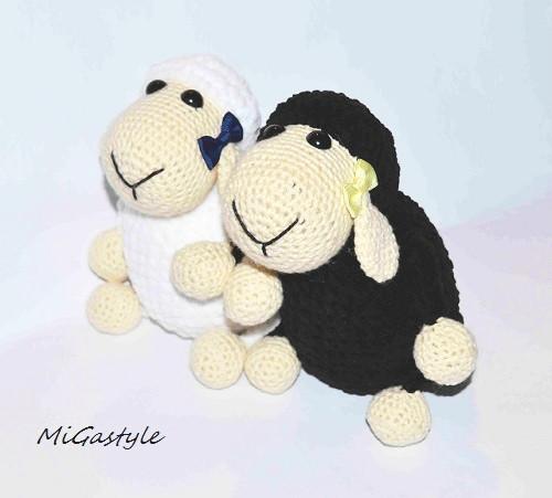 Háčkované ovečky - black and white
