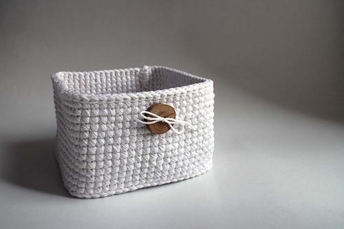 Košík - Bílý | čtverec | dřevěný knoflík