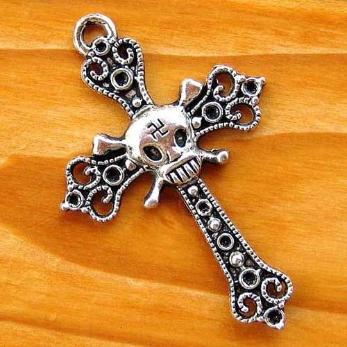 Kříž s Lebkou - Platinový