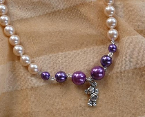 dětský=dívčí náhrdelník fialové perličky -medvídek