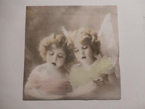 Ubrousek na decoupage - zpívající andělé