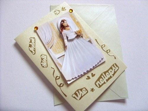 Blahopřání zlaté svatební s nevěstou u zrcadla