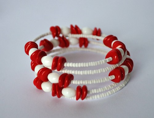 Červené placičky - náramek