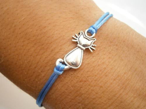 Saténový náramek s kočkou - modrý
