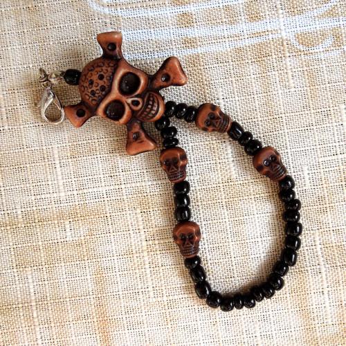 Přívěšek Lebka s lebkami