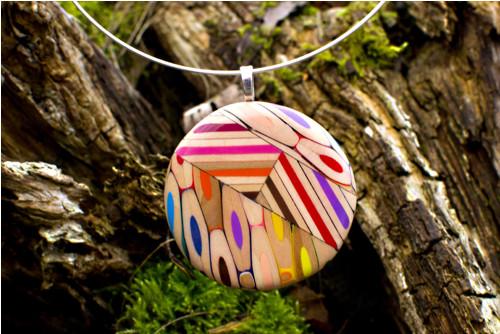Náhrdelník z farbičiek kruh s prierezmi