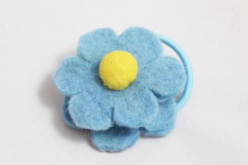 Květina z ovčí vlny do vlasů - modrá