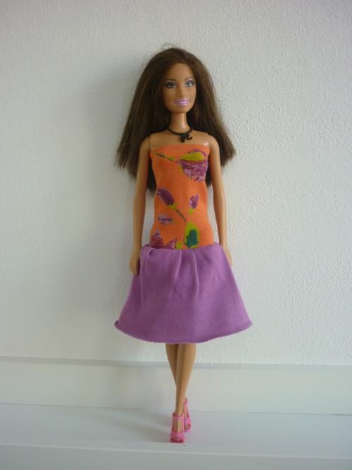 Šaty na panenku Barbie