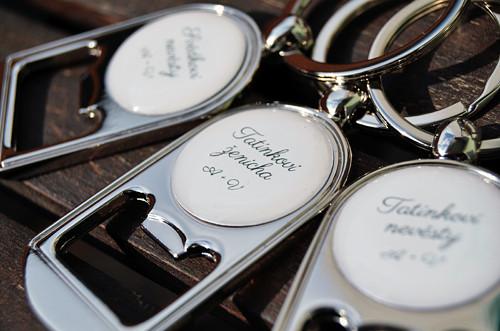 Svatební klíčenka/otvírák pro pány - text na přání