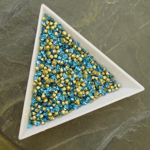 Skleněné šatony 2,6 - 2,7 mm - 50 ks - azurová