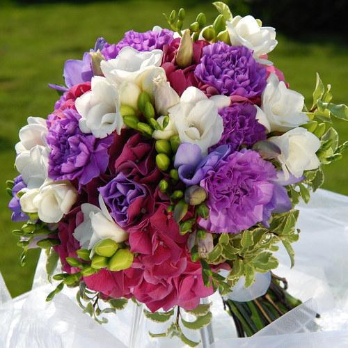 Svatební kytice pestrá