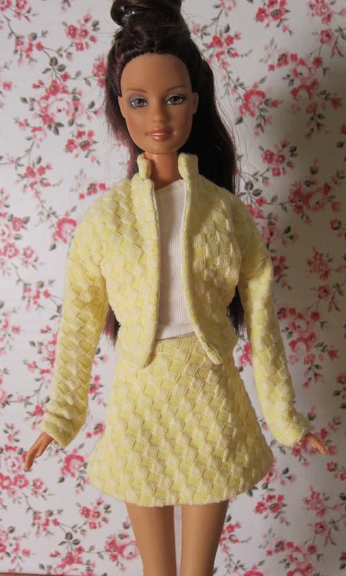 Jarní kostýmek pro Barbie