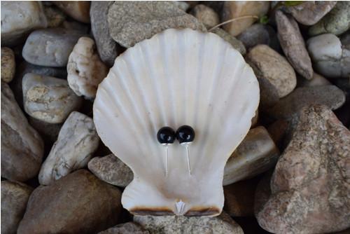 Elegantní náušnice z černých perel