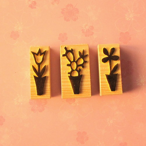 tři kytičkové minirazítka