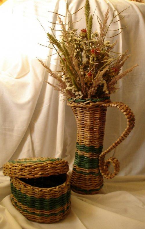 Pletená váza s dózou