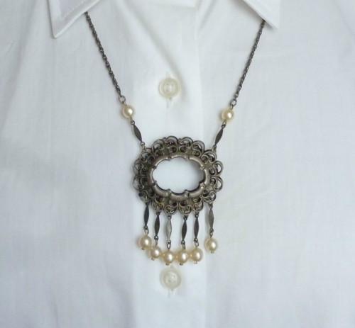 Filigránový náhrdelník s perličkami . SLEVA z 215