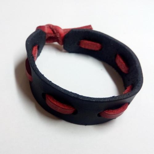Kožený náramek - černo-červený