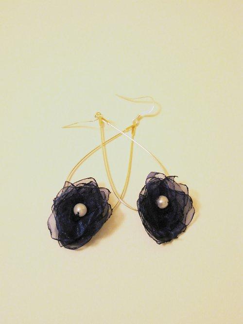 Temněmodré květy
